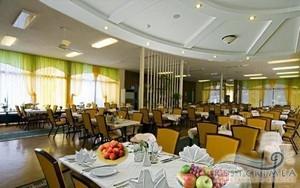 Лечебно-оздоровительный комплекс Айвазовское: столовая