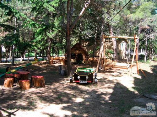 Оздоровительный комплекс Легенда: детская площадка
