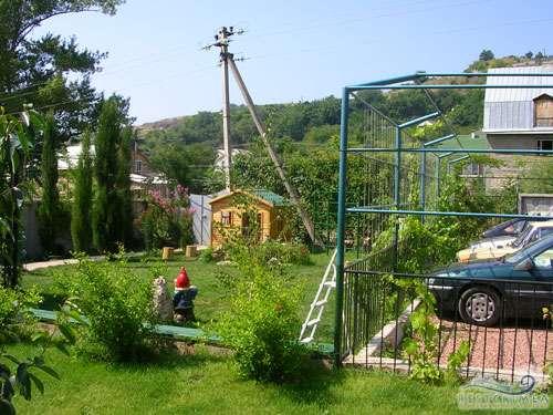 Hotel Edem: children's playground and parking