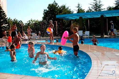 Пансионат Южный: детский бассейн