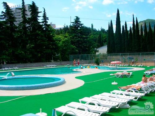 Санаторий Алушта: бассейн