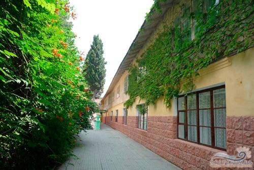 Alushtinsky Sanatorium: building