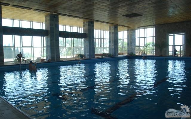 Санаторий Днепр: бассейн
