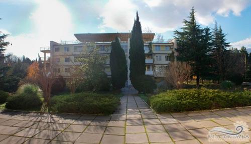 Slavutich Sanatorium: territory