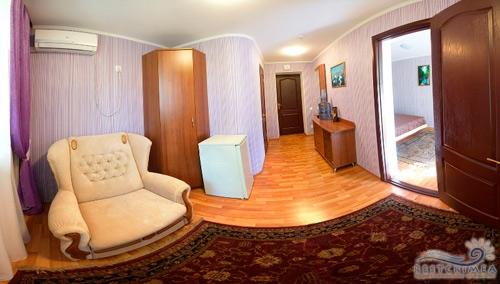 Санаторий Славутич: 2-х комнатный люкс