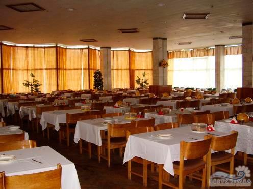 Sanatorium Slavutich: dining
