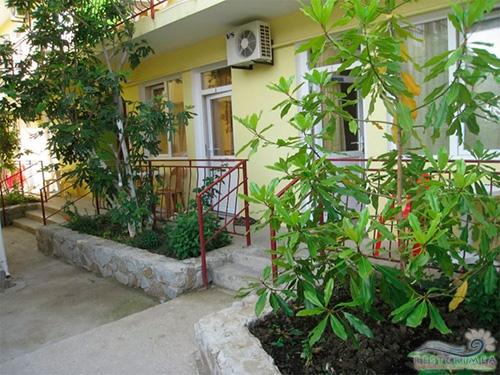 Гостевой дом Людмила. Территория