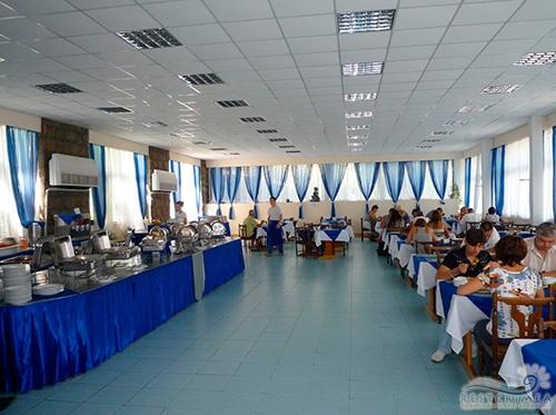 Санаторий Горный: столовая (синий зал)